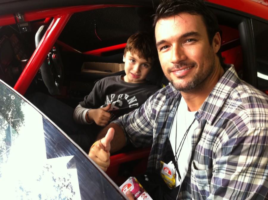 Daniel Bueno e seu filho Luke