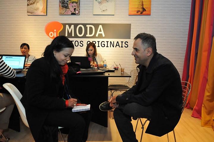 Paulo Borges em entrevista no Lounge da Oi