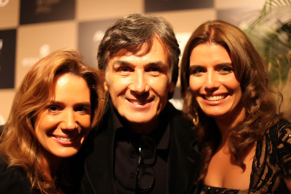 O casal Marcelo Gurgel e Janaina com a amiga Renata-Kalil no Site ClaCridéias