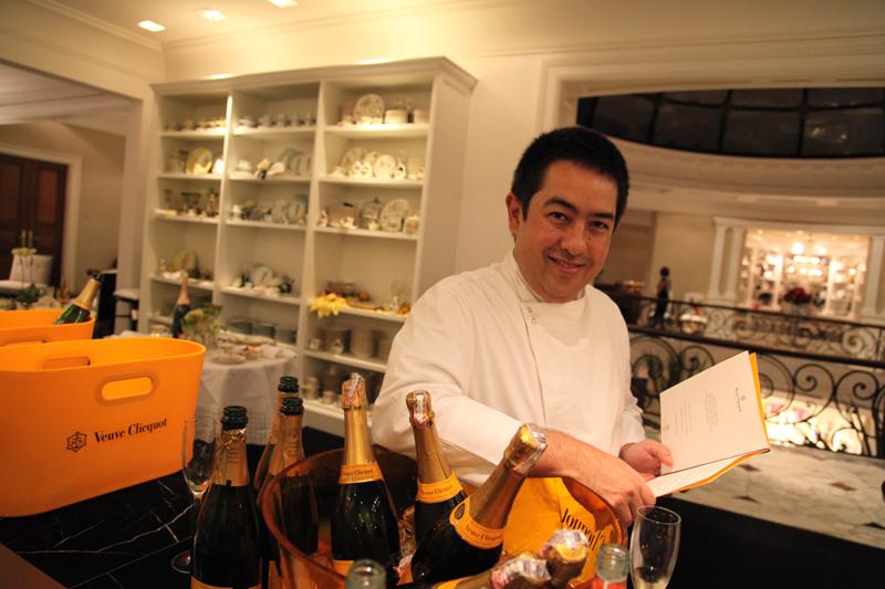 O banqueteiro Viko Tangoado criou pratos com vieras e lagostas para harmonizar com a champagne Veuve Clicquot