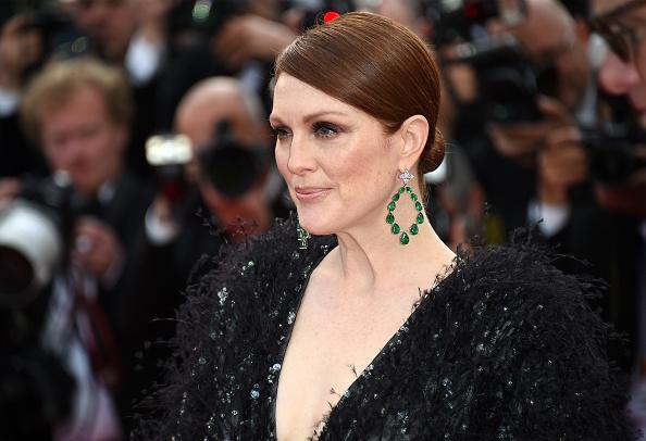 Julianne Moore parou o Festival de Cannes com esse par de brincos   Foto: Getty Images