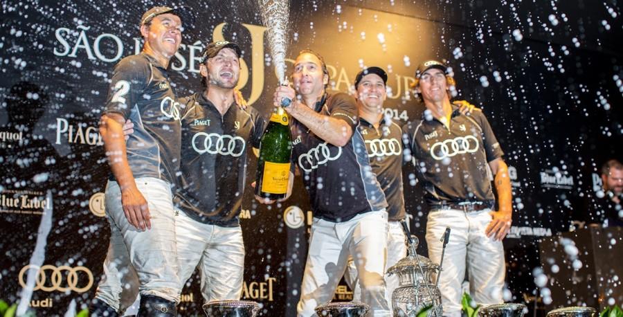 Equipe São José comemora a possibilidade da terceira vitória (Foto: Divulgação)
