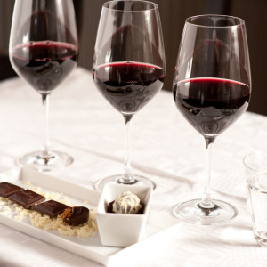 Aprenda-como-harmonizar-vinhos-com-chocolate-grade