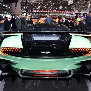 Aston-Martin-Vulcan-Live-Geneva-2015-08