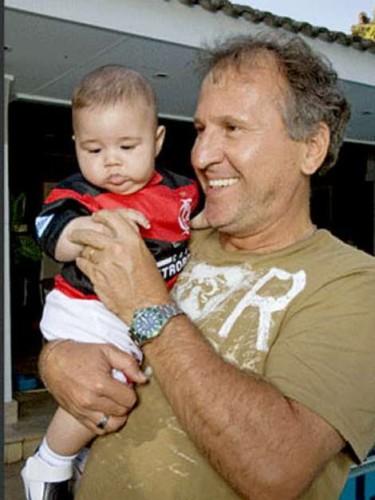 Zico com o neto Felipe (Reprodução)