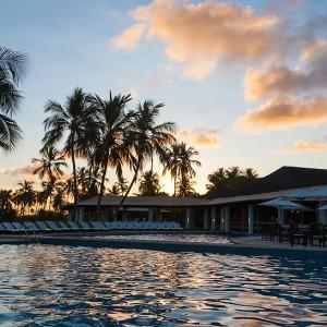 005908-19-pool-night
