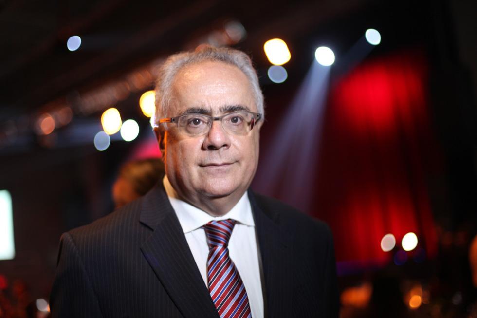 """""""Infelizmente o jornalismo impresso está a ponto de desaparecer"""". Luis Nassif, jornalista da Folha de SP."""