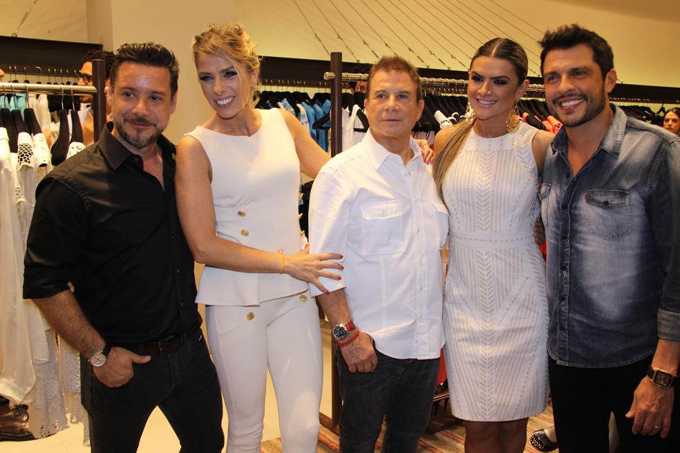 Alexandre Iódice, Adriane Galisteu, Valdemir Iódice, Mirella Santos e Wellington Muniz (Foto: Nair Barros)