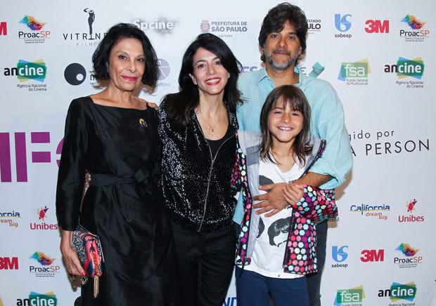 Marina Person com mãe, marido e filha (Foto: Divulgação)