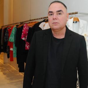 Reinaldo Lourenço na loja (Foto: Divulgação)