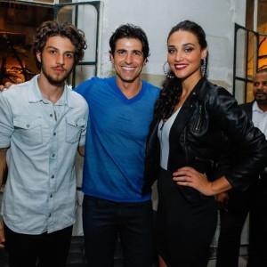 Chay Suede, Reynaldo Gianecchini e Debora Nascimento (Foto: Divulgação)