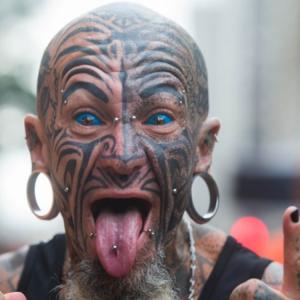 Corredor tatuado (Foto: Divulgação)