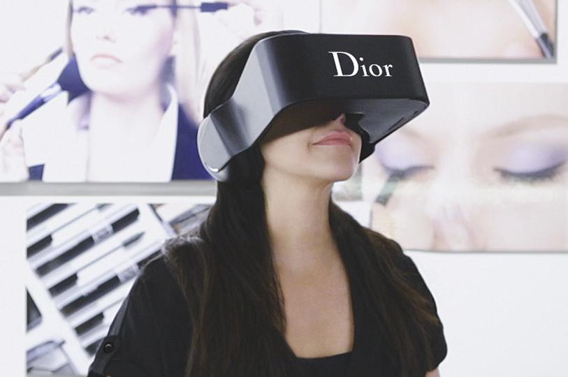 A grife Dior lançou seus próprios óculos de realidade virtual (Foto: Divulgação)