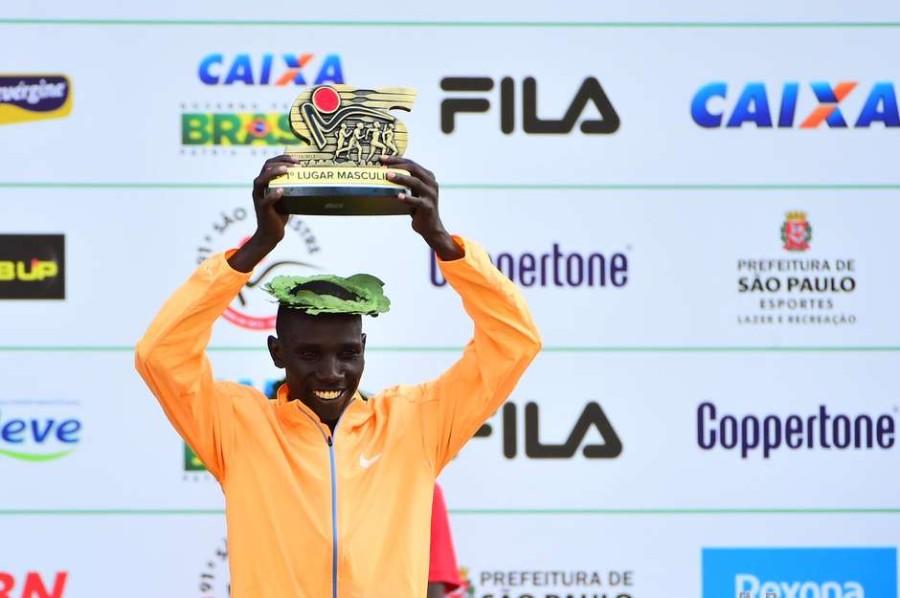 Queniano Stanley Biwott vence (Foto: Divulgação)