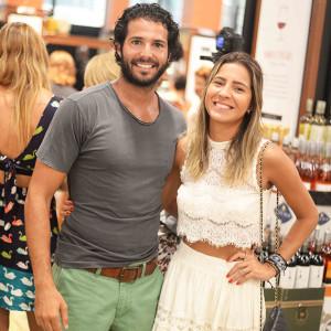 Rodrigo Coser e Carol Mesquita (Foto: Divulgação)