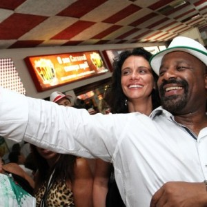 Selfie no samba  (Foto: Divulgação)