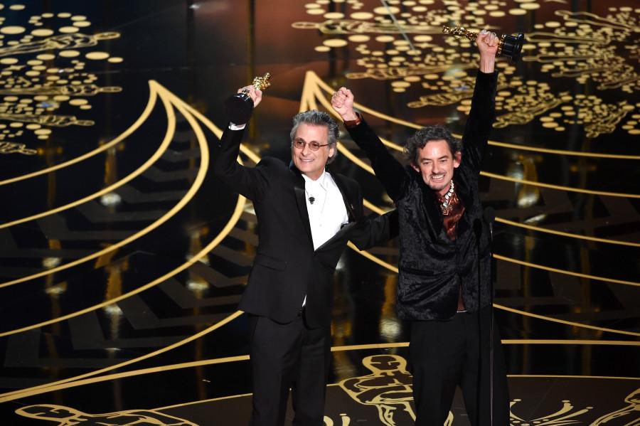 Mark Mangini e David White agradecem prêmio (foto: divulgação)