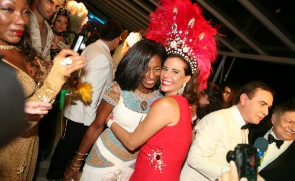 Festa reúne centenas de celebridades em ritmo de carnaval (foto: divulgação)