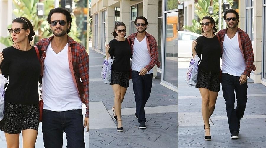 Rodrigo santoro e Mel Fronckowiak passeiam por Los Angeles (foto: divulgação)