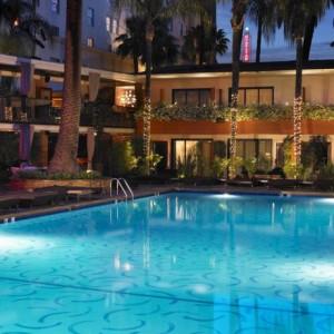 The hollywood Roosevelt pool (foto: divulgação)