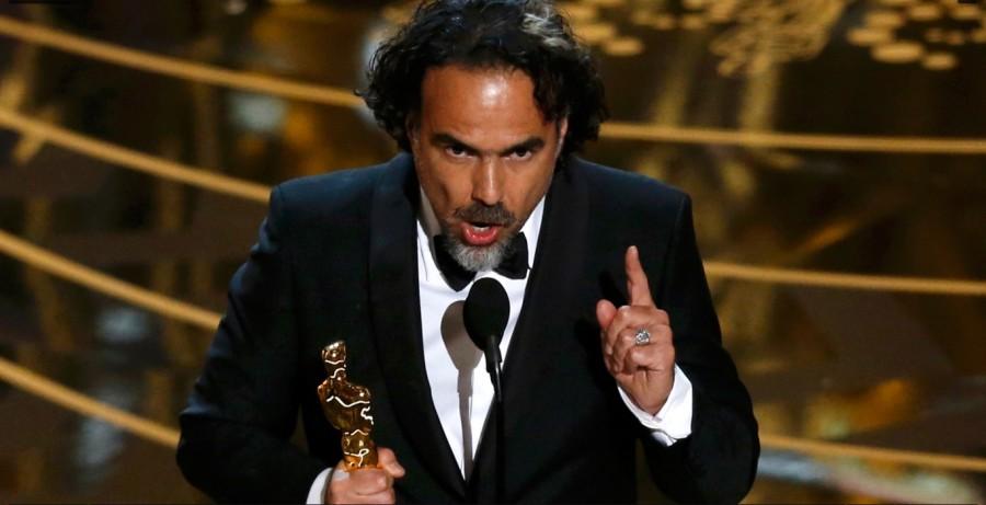 Alejandro Gonzáles Iñárritu recebe o Oscar de melhor diretor por ''O regresso'' (Foto: Divulgação)