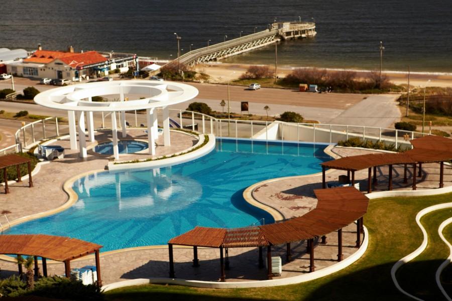 piscina externa conrad (foto: divulgação)
