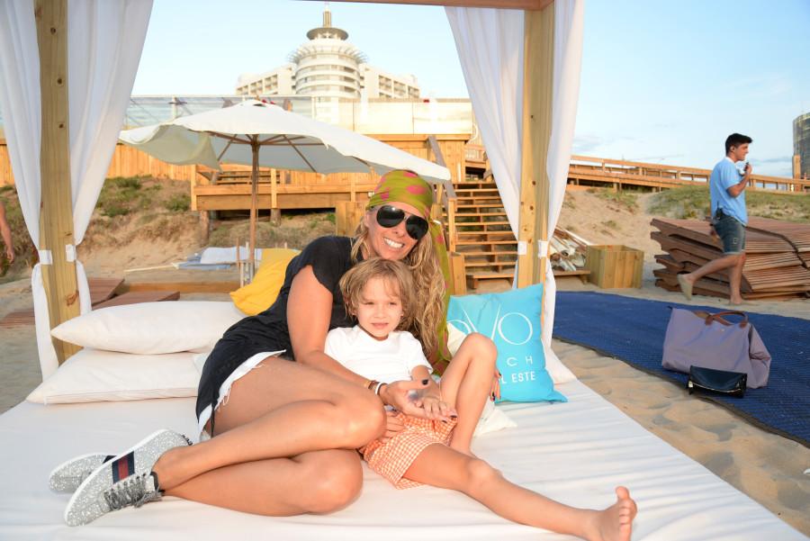 Adriane Galisteu aproveita férias no Enjoy Conrad com filho Vittorio (Foto: Divulgação)