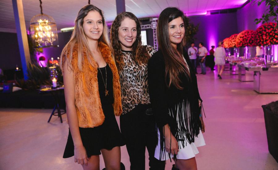 Scarlett Zimmer, Rafaeka Fortunato e Gabriela Liuti (foto: divulgação)