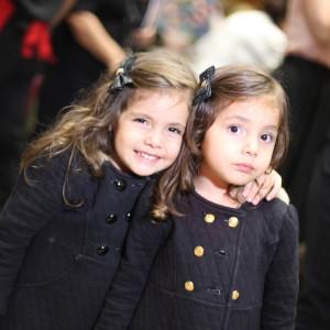 crianças se divertem no musical (Foto: Nair Barros/ClaCrideias)