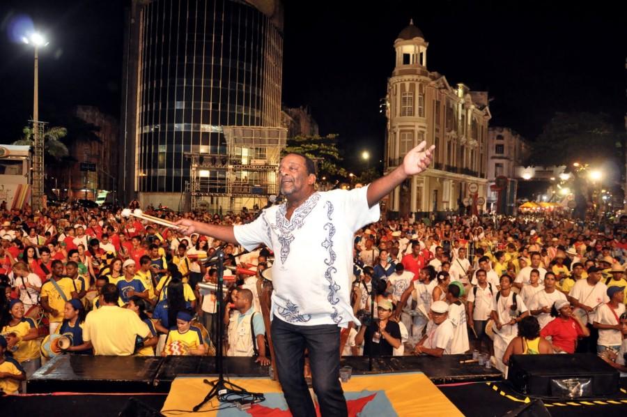 Naná durante abertura de carnaval (foto: divulgação)