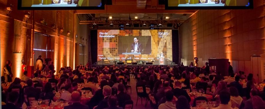 Premiação das principais revendas do país e palestra com eduardo giannetti da fonseca (foto: divulgação)