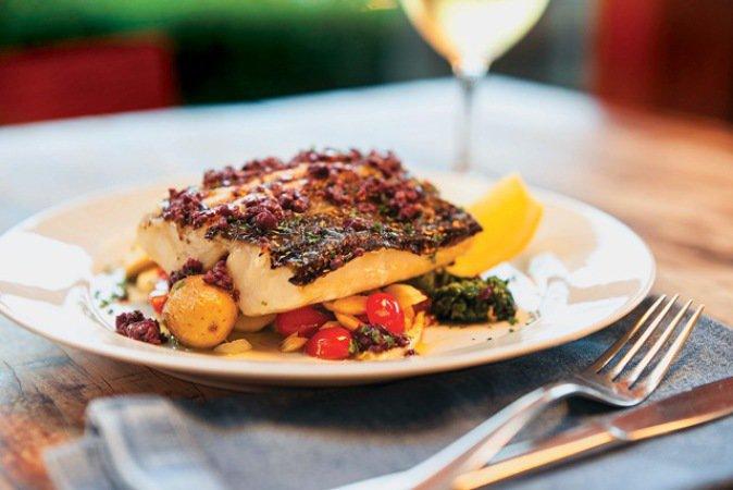 Taberna 474 - Bacalhau com aspargo, batata, tomate e palmito (Foto: Divulgação)