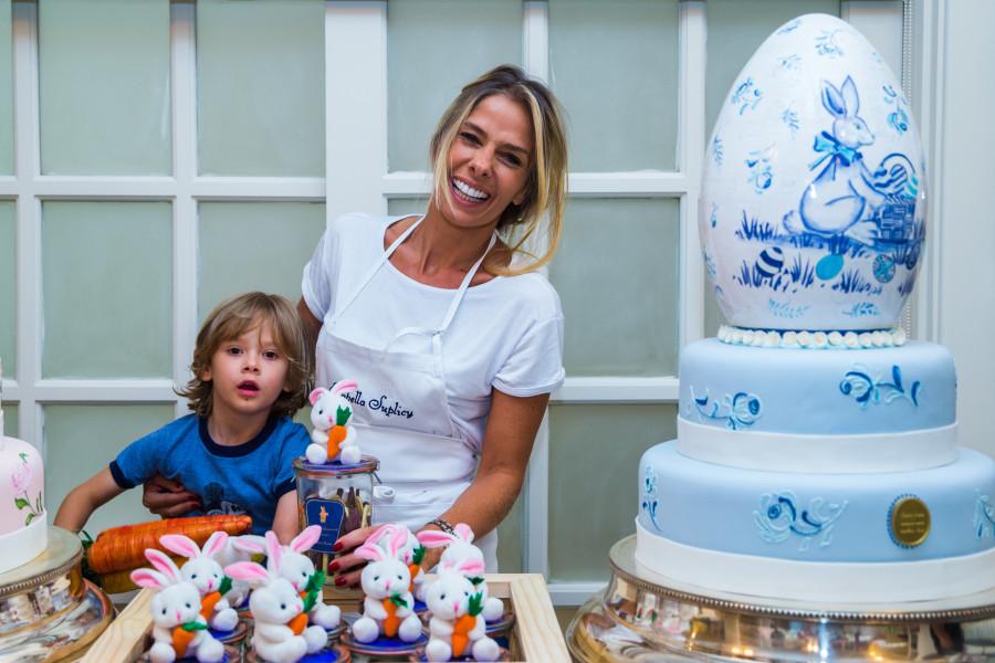 Adriane Galisteu e o filho vittorio (foto: divulgação)