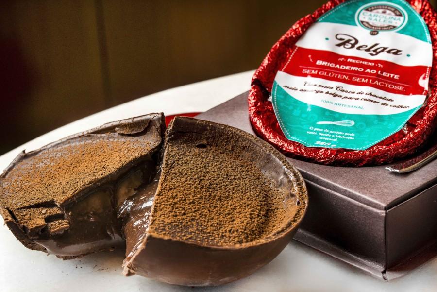 Carolina Sales - meia casca de chocolate meio amargo com brigadeiro belga. Sem glúten e sem lactose (R$ 89,90), com 296 Kcal em 80g (Foto: divulgação)