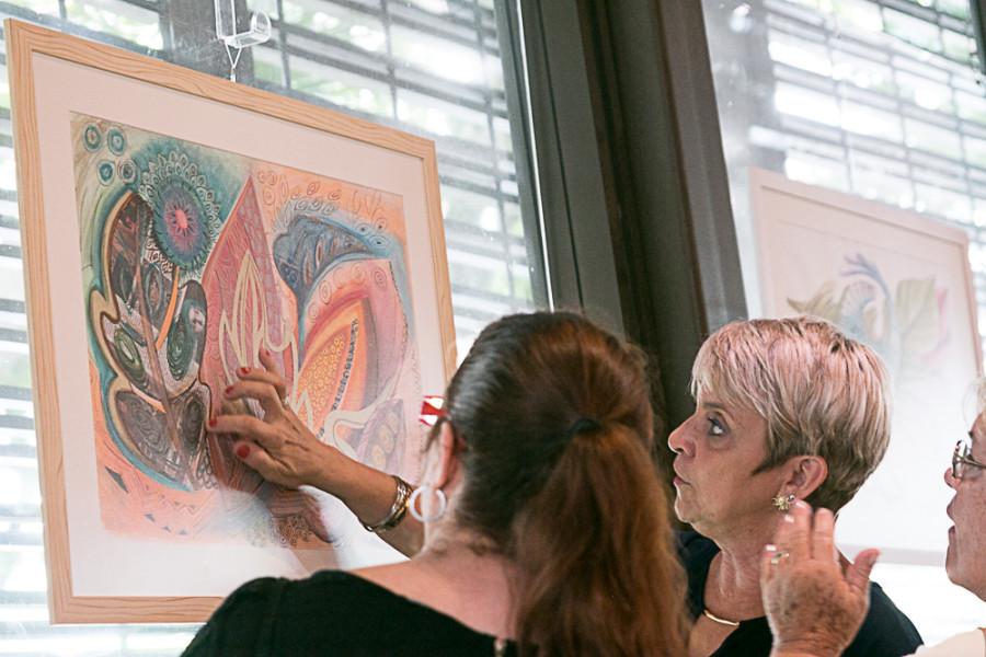 Exposição fica até dia 31 no Octavio Café (foto: Pedro Nogueira)