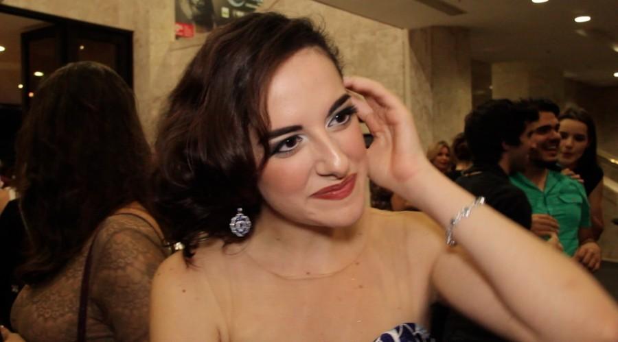 Giulia Nadruz interpreta pela primeira vez uma vilã (Foto: Nair Barros/ClaCrideias)