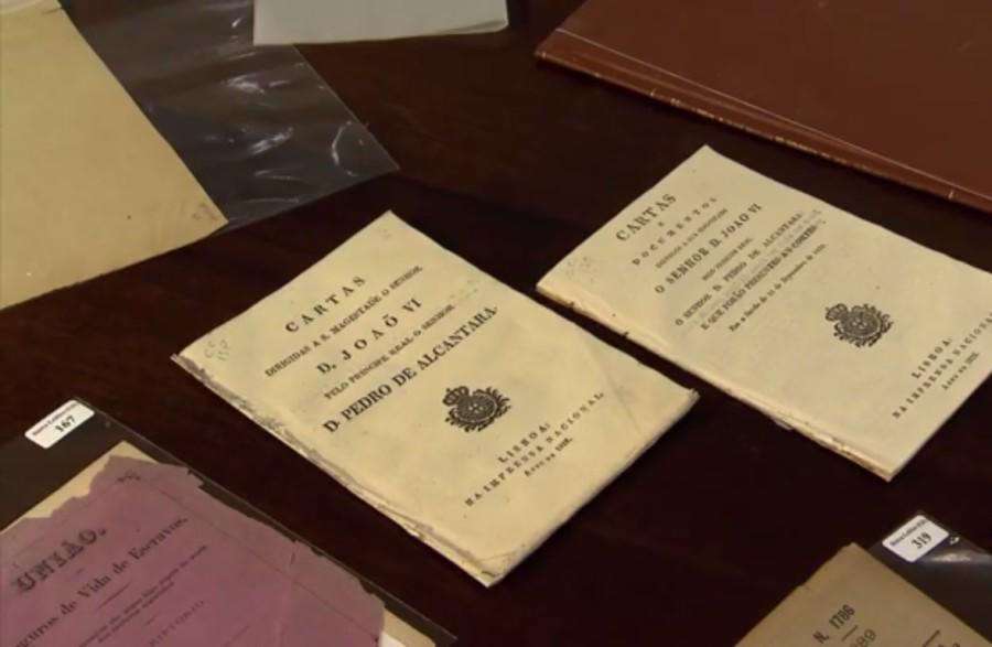 Documentos de um brasil português (Foto: Divulgação)