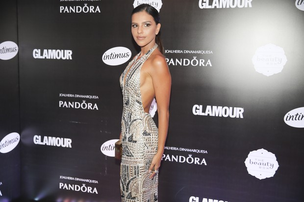 Mariana Rios mostra beleza com vestido decotado (Foto: Divulgação)