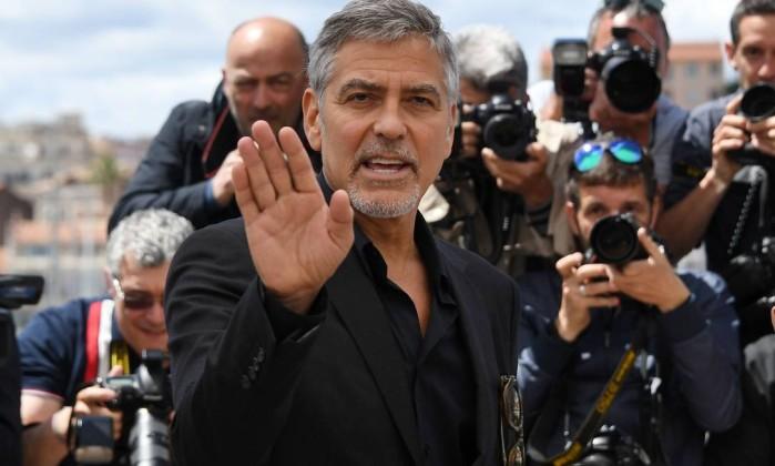 Clooney é fotografado no festival de Cannes (Foto: Reprodução)