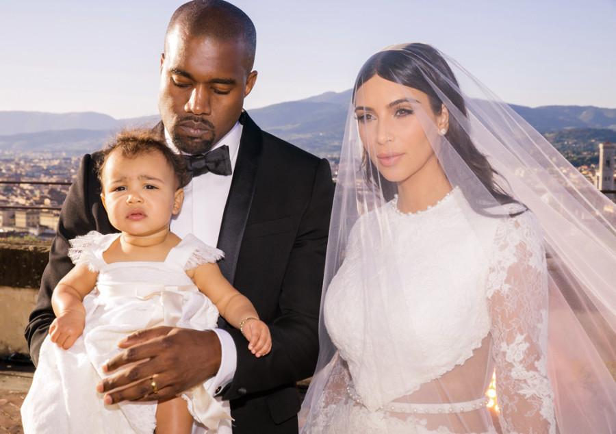 Kanye West com a esposa Kim Kardashian e a filha North (Foto: Divulgação)