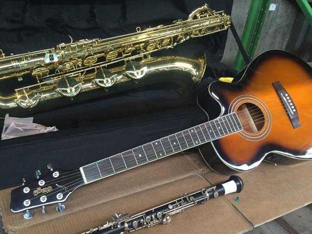 Instrumentos musicais do leilão (Foto: Divulgação/Receita Federal)