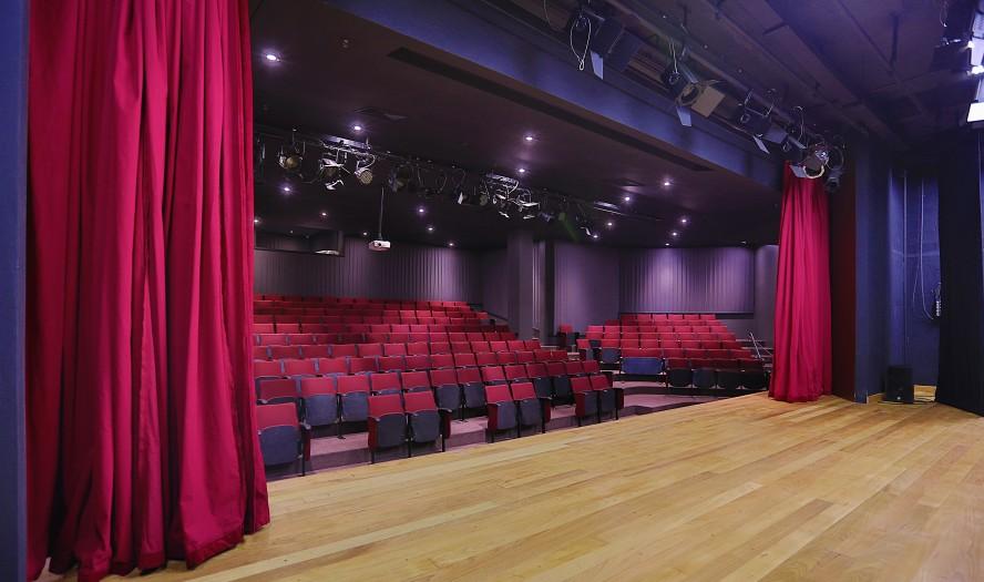 Teatro é o primeiro do bairro do Morumbi (Foto: Divulgação)