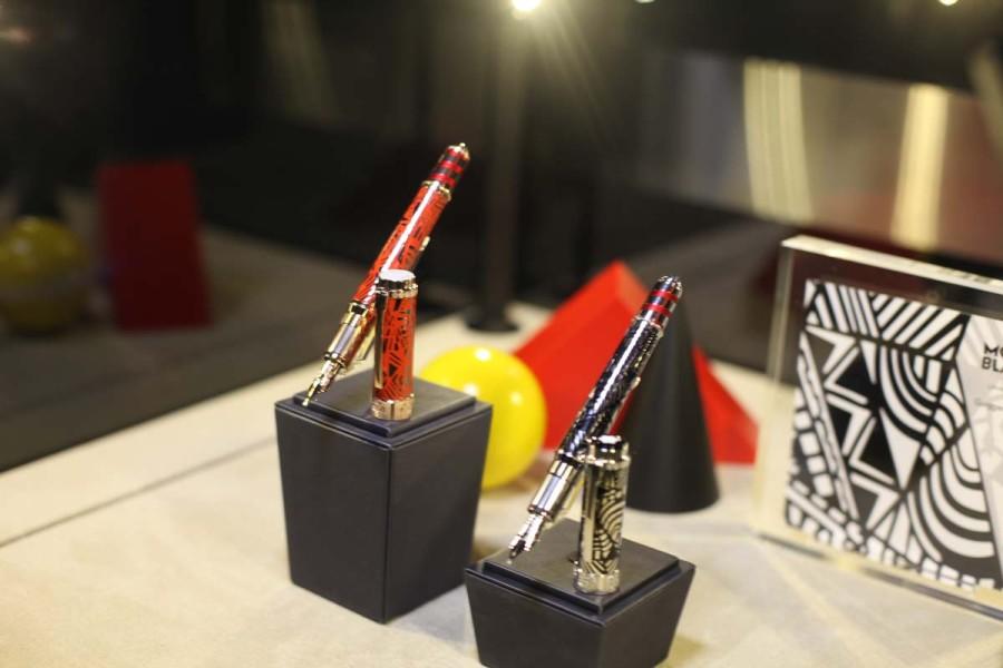Caneta-tinteiro Montblanc Patrono das Artes, entregue aos vencedores da premiação