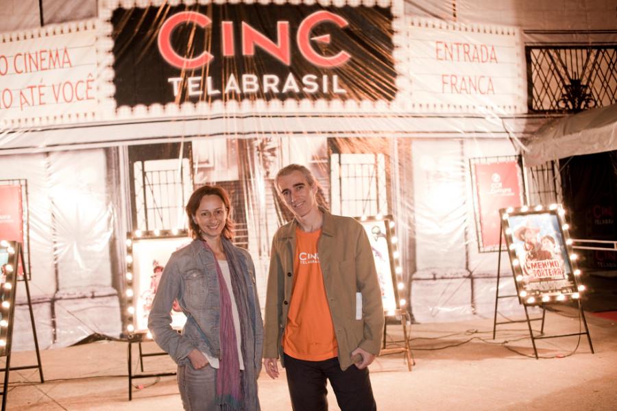 Laís Bodanzky e Luis Bolognesi durante projeto de exibição itinerante (Foto: Divulgação)