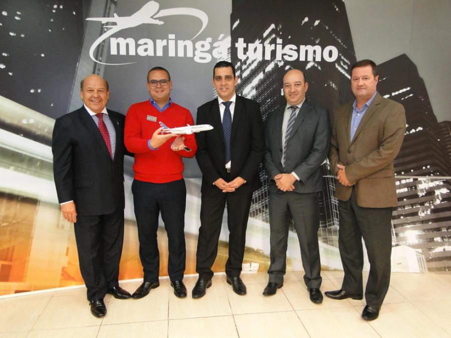 "Equipe Maringá Turismo recebeu troféu ""Top Seller 2015"""