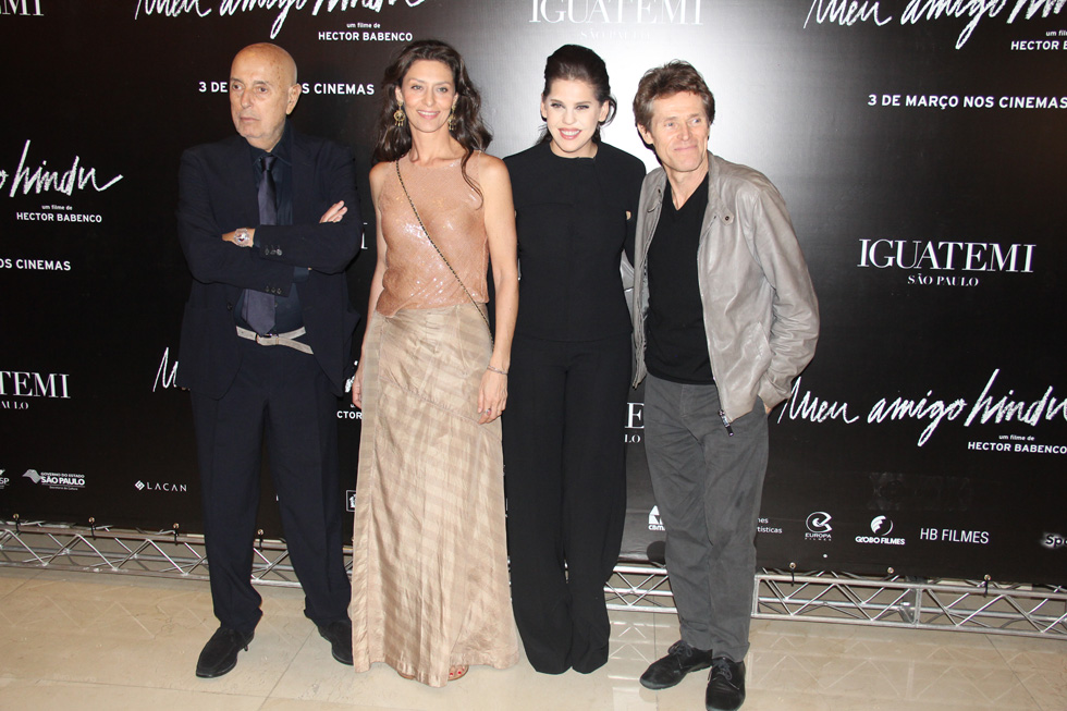 Hector Babenco, Maria Fernanda Cândido, Bárbara Paz e Willem Dafoe (Foto: Divulgação)
