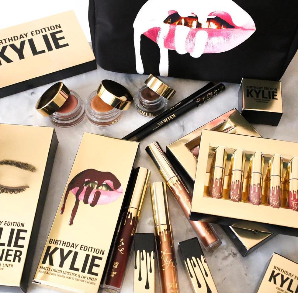 Kylie Jenner lança coleção completa de maquiagens em comemoração ao aniversário de 19 anos (Foto: Divulgação)