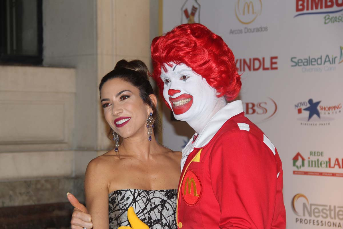 Patricia Abravanel e Ronald Mc Donald (Foto: ClaCri)