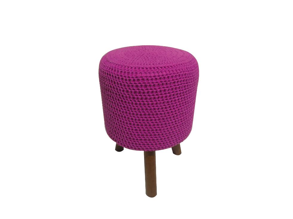 Puff round crochê mandeira rosa/ de R$ 799,99 por R$ 319,99 (Foto: Divulgação)