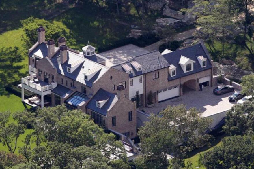 O casal investiu US$ 4,5 milhões na mansão de Massachusetts, com 1.330 metros quadrados (Foto: Divulgação)